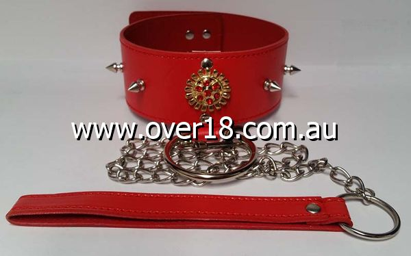 Red Medallion Spiked Collar  Leash